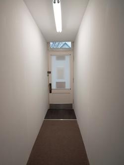Split room, hallway