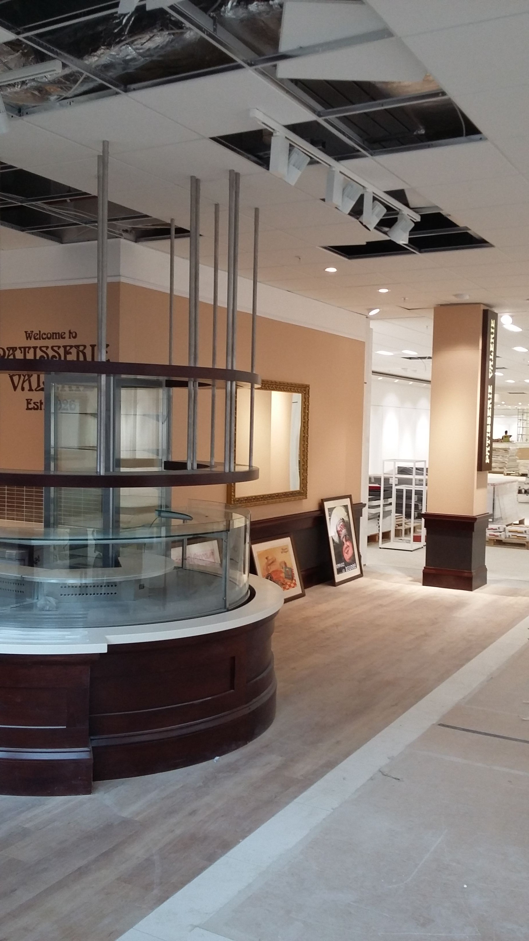 Shop Fitter Patisserie Valerie24