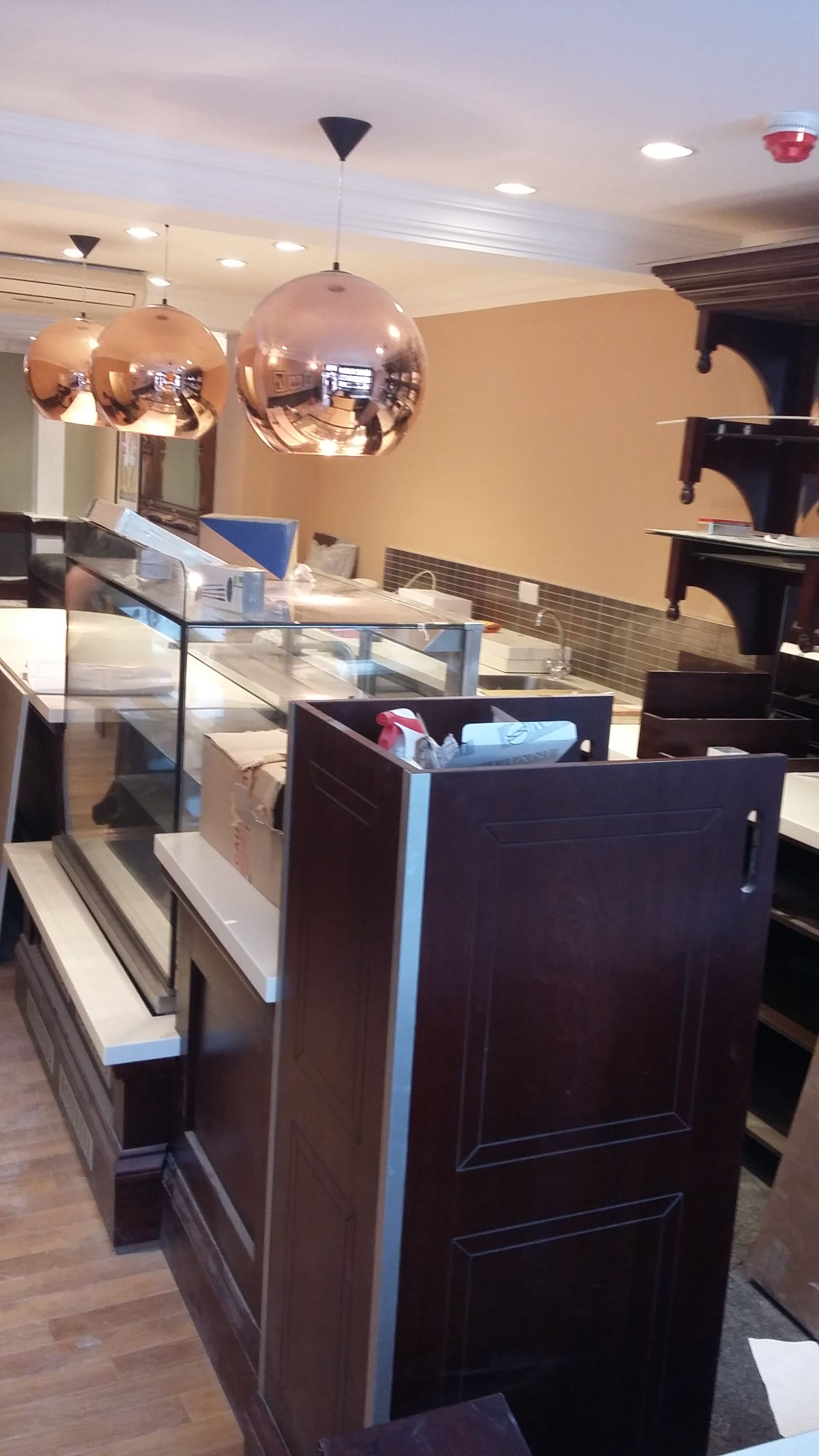 Shop Fitter Patisserie Valerie64