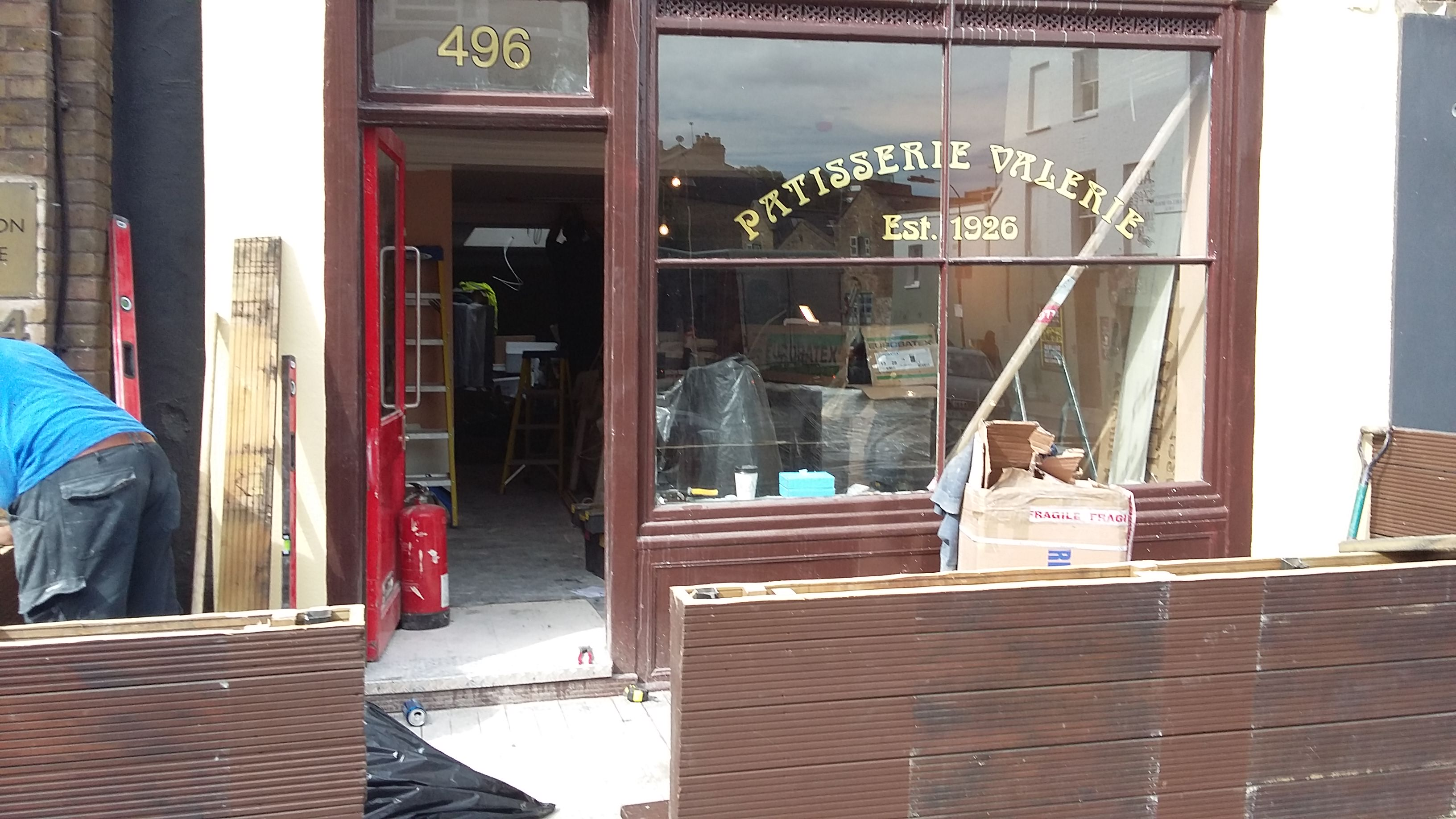 Shop Fitter Patisserie Valerie17