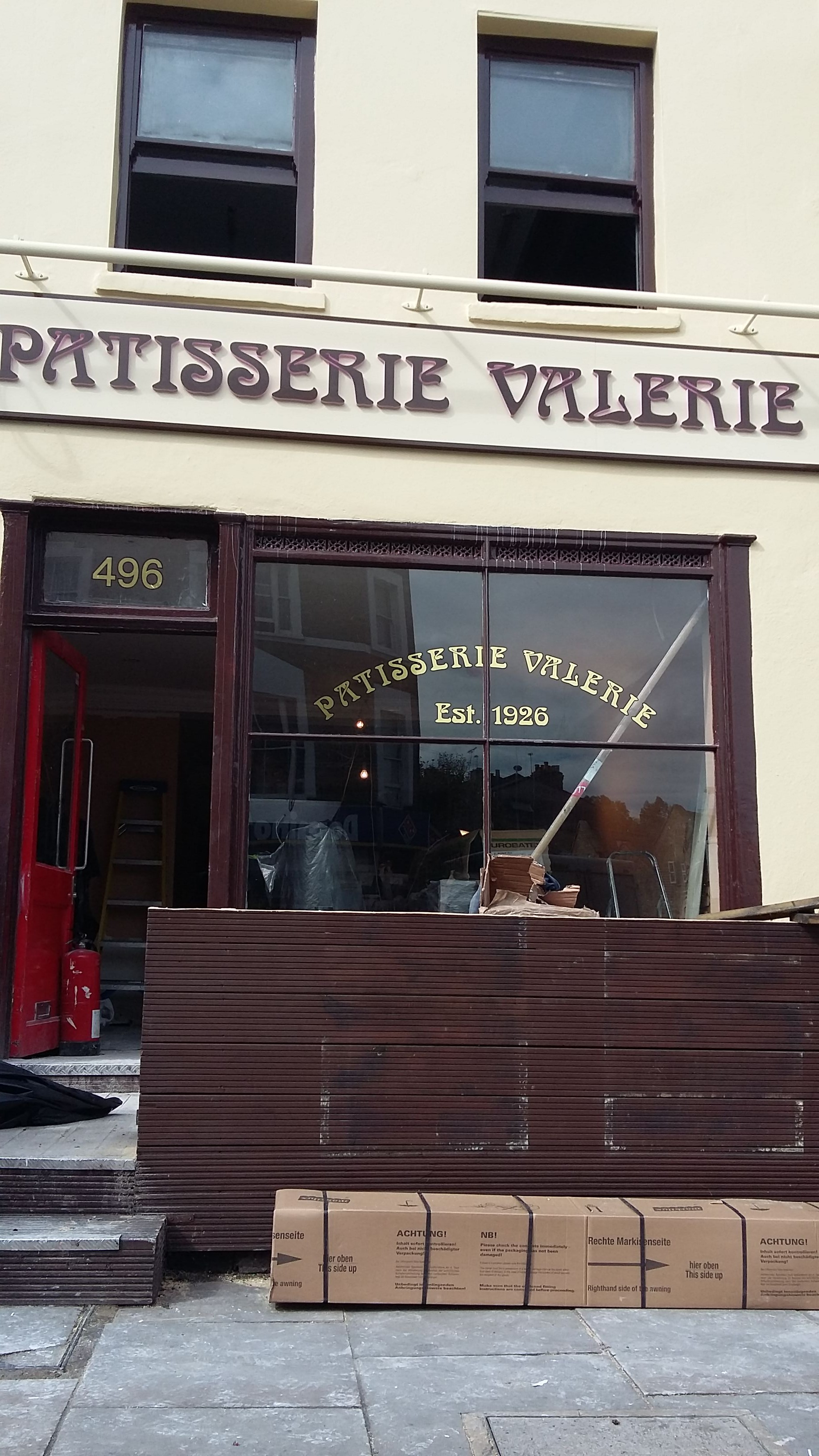 Shop Fitter Patisserie Valerie20