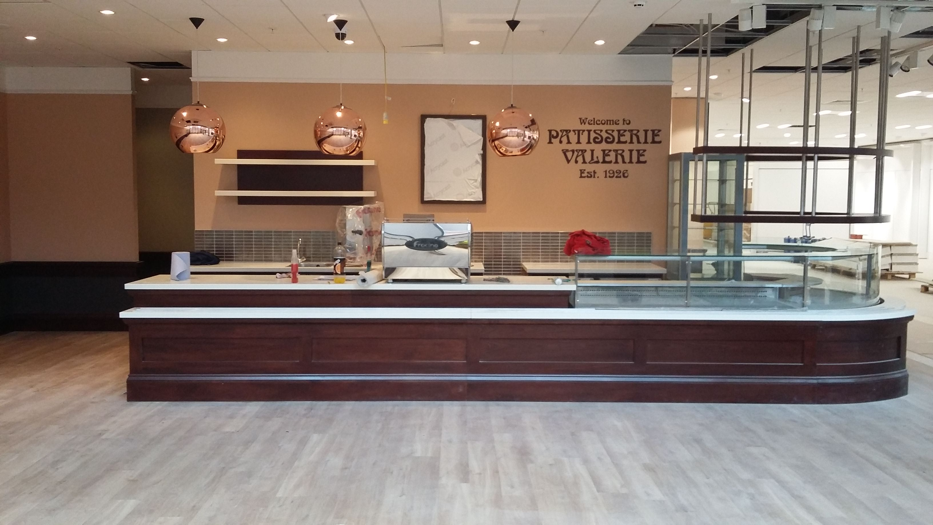Shop Fitter Patisserie Valerie38