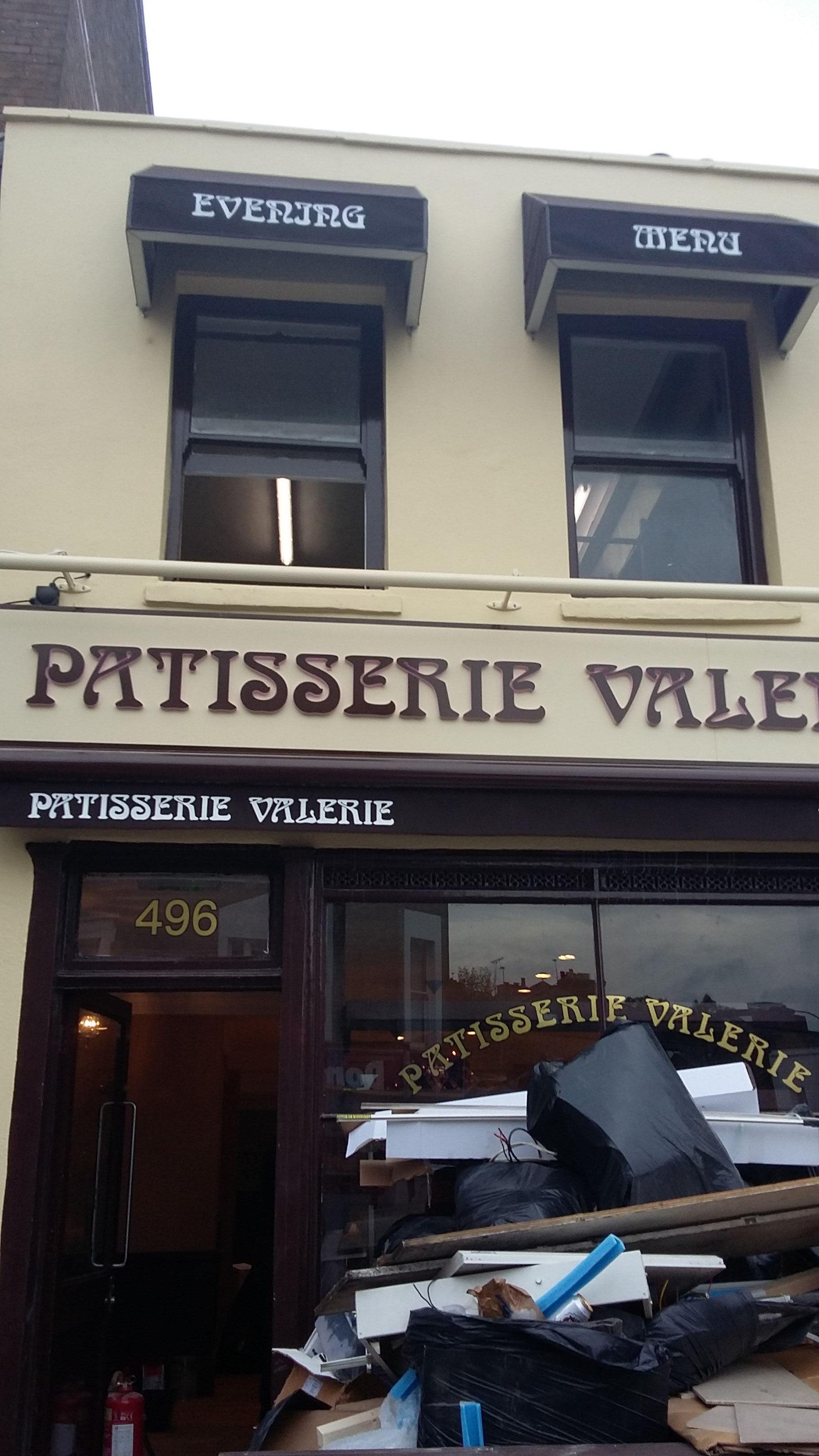 Shop Fitter Patisserie Valerie62