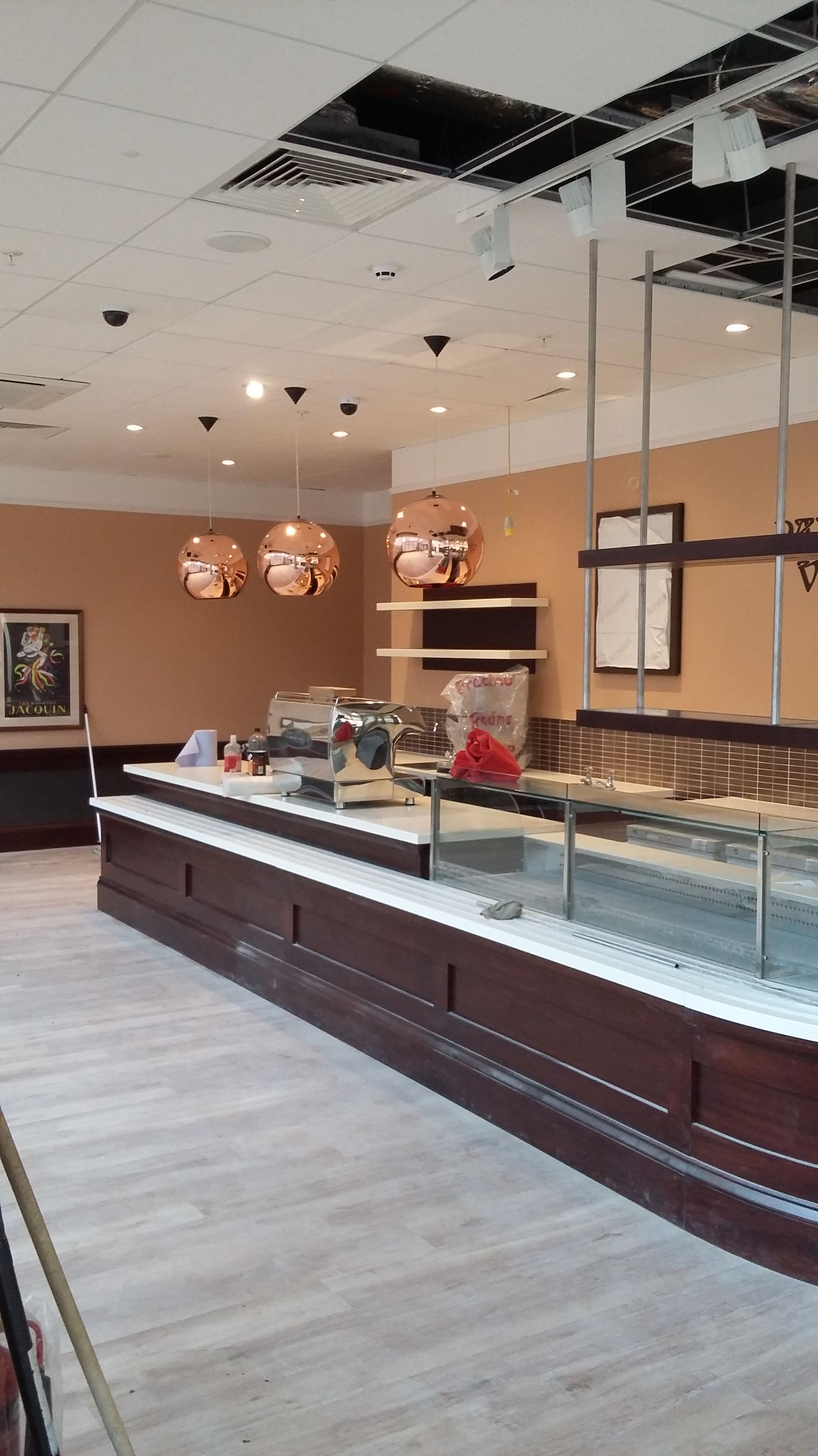 Shop Fitter Patisserie Valerie26