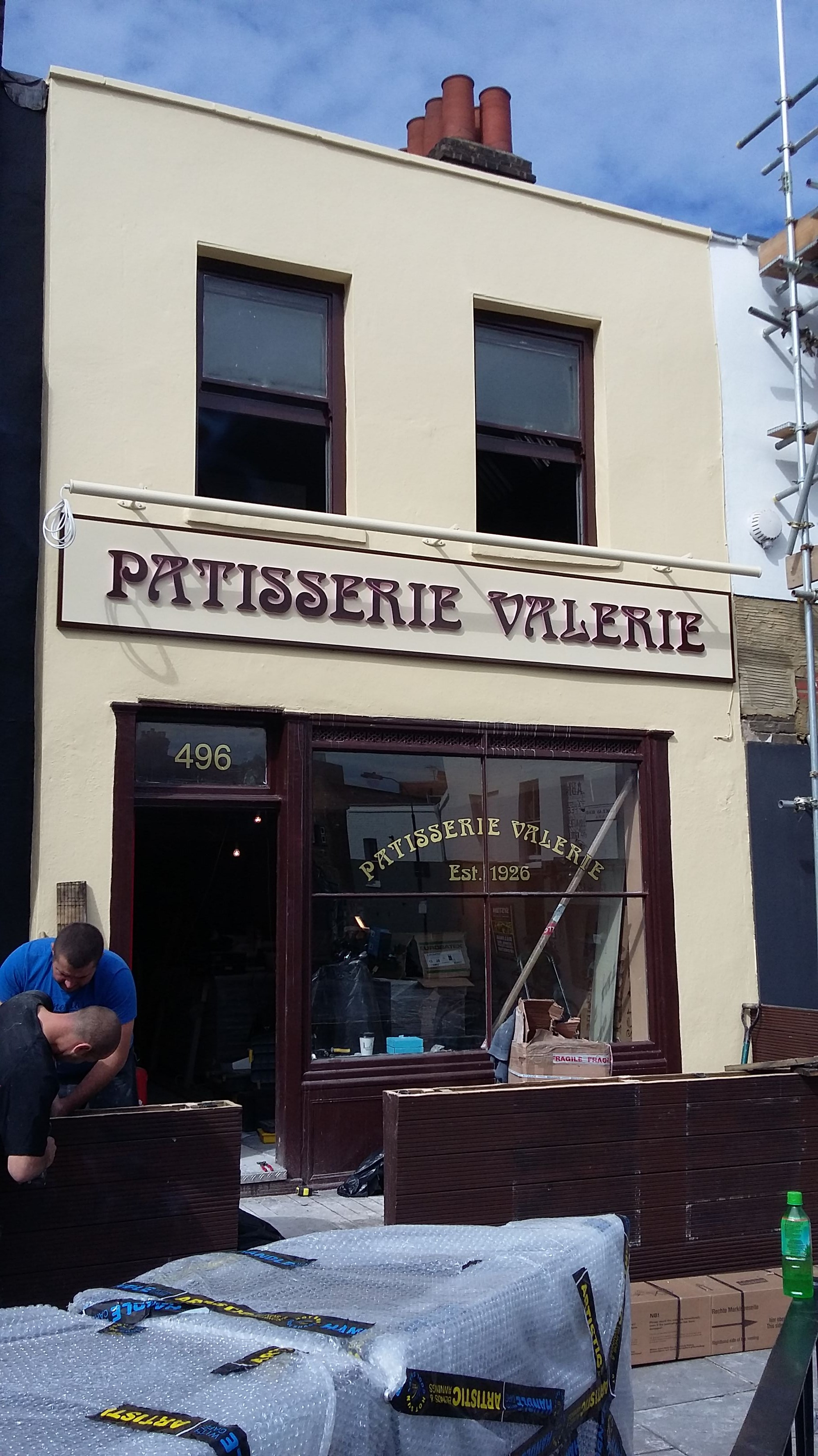 Shop Fitter Patisserie Valerie18