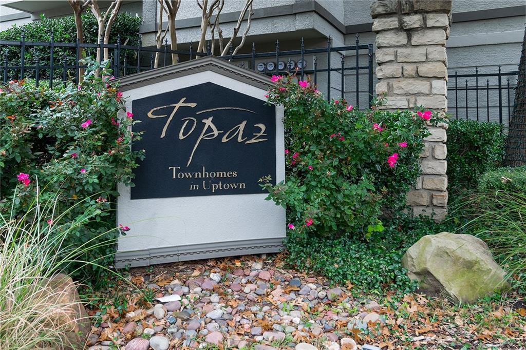 Entrance Sign @ The Topaz