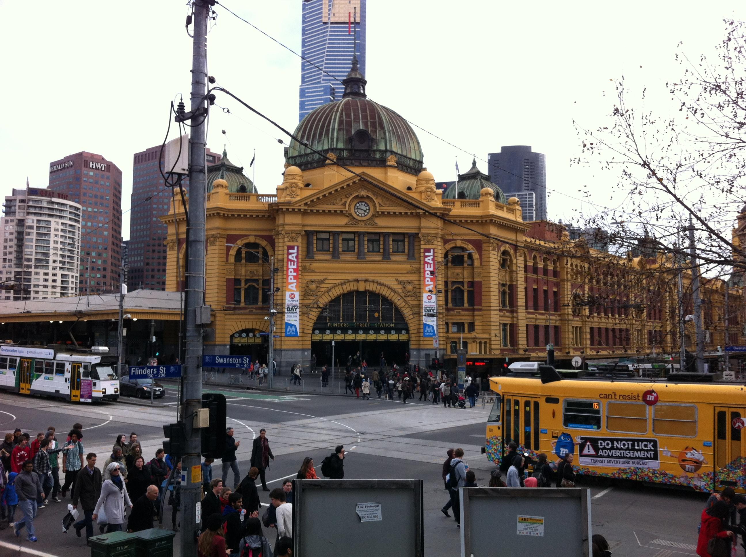 Flinders_Street_Station,_Melbourne,_Australia