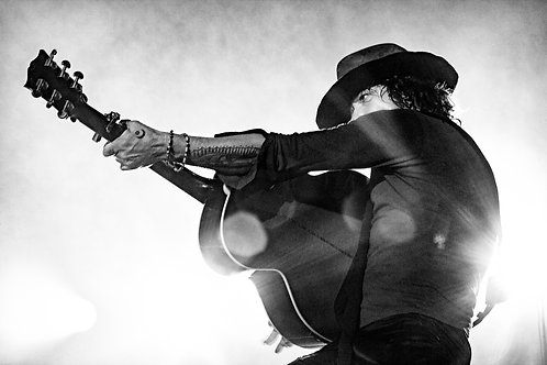 """Who shot Rock and Roll?"" .Bunbury Mutaciones Tour"