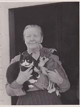 13 Lina med hund og katt.png