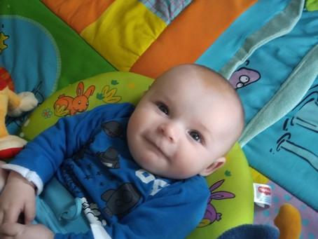 De eerste 7 leukste mijlpalen tijdens het eerste jaar van je baby!