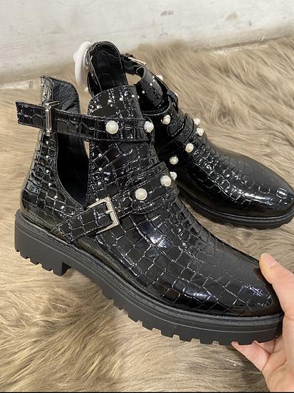 Boots en croco avec perles