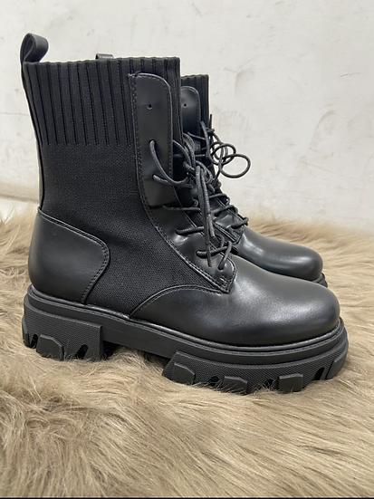 boots elastique avec lacets