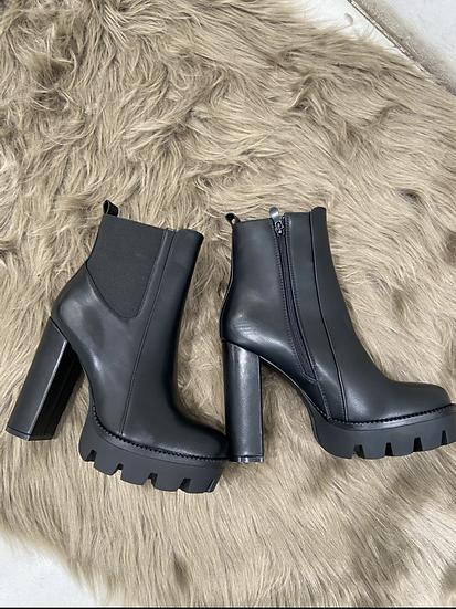 Boots a talon