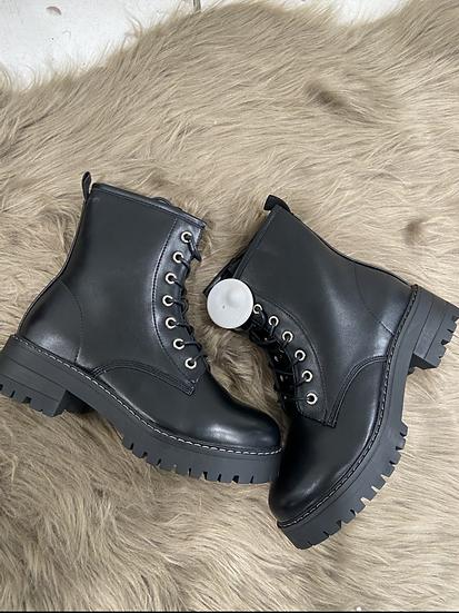 boots noirs à  lacets