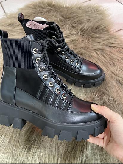 Boots noirs a lacets