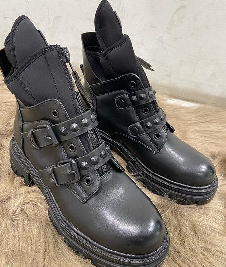 Boots avec fermeture à glissière sur le cou-de-pied,