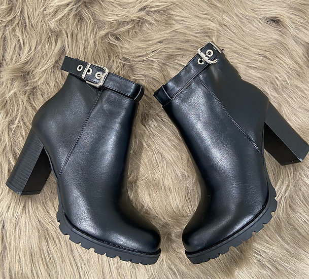 boots avec boucles
