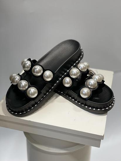 Claquettes avec perles