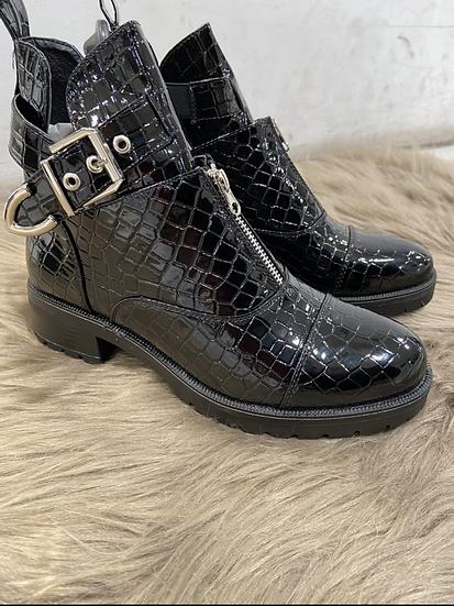 Boots en style croco avec boucles