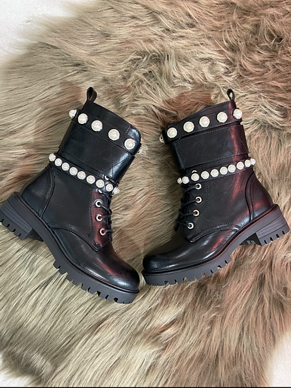 Boots noirs avec perles