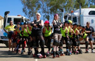 Watch-out-roller-derby-is-hot-in-Hedo.jp