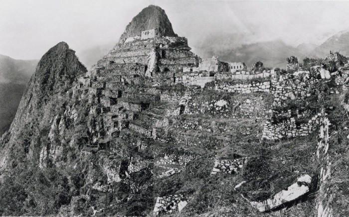 Bingham'ın ilk kazı çalışmalarından sonra çektiği fotoğraf 1911
