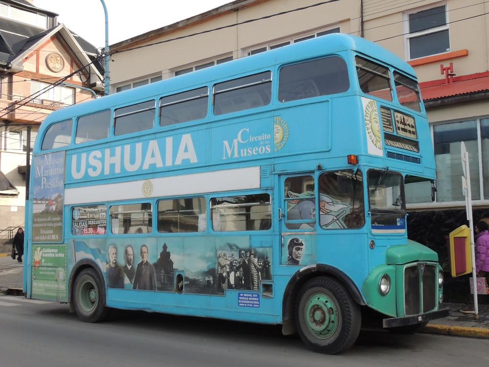Şehri turlayan otobüs