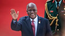 Le président Magufuli de la Tanzanie se procure du TAMBAVY CVO pour soigner les tanzaniens malades d