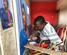 Paralysé des mains et des pieds, il réalise des œuvres mirobolantes avec sa bouche
