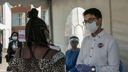 """Le président de Madagascar affirme connaître un remède à base de plantes contre le virus: """"On p"""