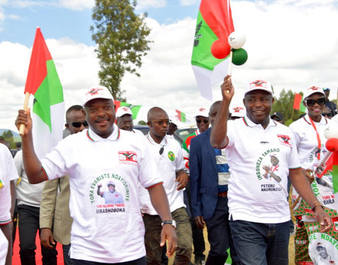 CAMPAGNE ELECTORALE AU BURUNDI : PIERRE NKURUNZIZA ET SON DAUPHIN A MATANA