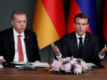 """Libye: Macron accuse Erdogan de violation """"gravissime"""" des engagements de Berlin"""