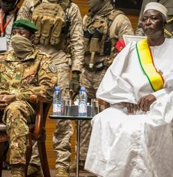 Mali : remise en liberté de plusieurs personnalités civiles et militaires par la junte