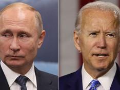 Poutine vs Biden: jusqu'où ira la bataille médiatique?