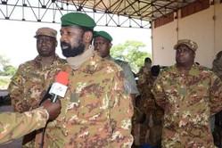 Mali: Le Colonel Assimi s'inspire du Maréchal Idriss Deby pour déloger les djihadistes