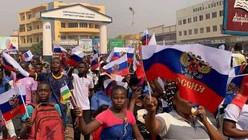 RCA: le drapeau russe remplace le drapeau français à Bangui