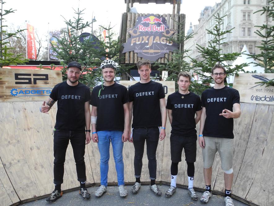 team | DEFEKT