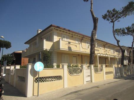 VENDESI - Villa Quadrifamiliare a Lido di Camaiore