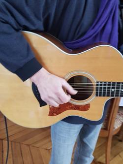 Quelques notes de guitare