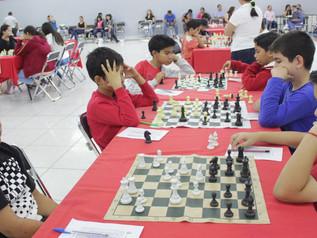 Seis colimenses clasifican a la etapa regional de ajedrez