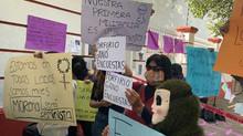 Con manifestación evitan toma de protesta de Muñoz Ledo