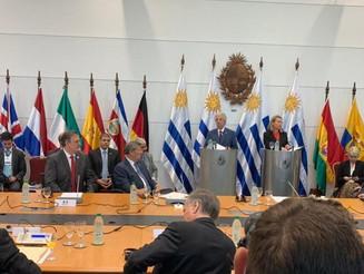 Países buscan salida sin intervención