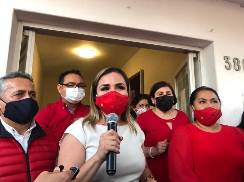 Aurora Cruz será candidata del PT