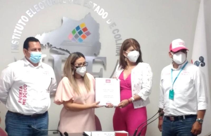 Claudia Yáñez se registra como candidata de Fuerza por México