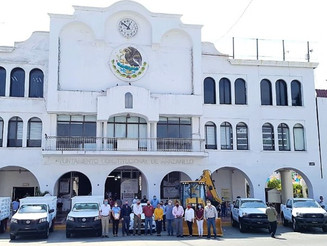 Griselda Martínez incorpora ocho unidades al patrimonio vehicular