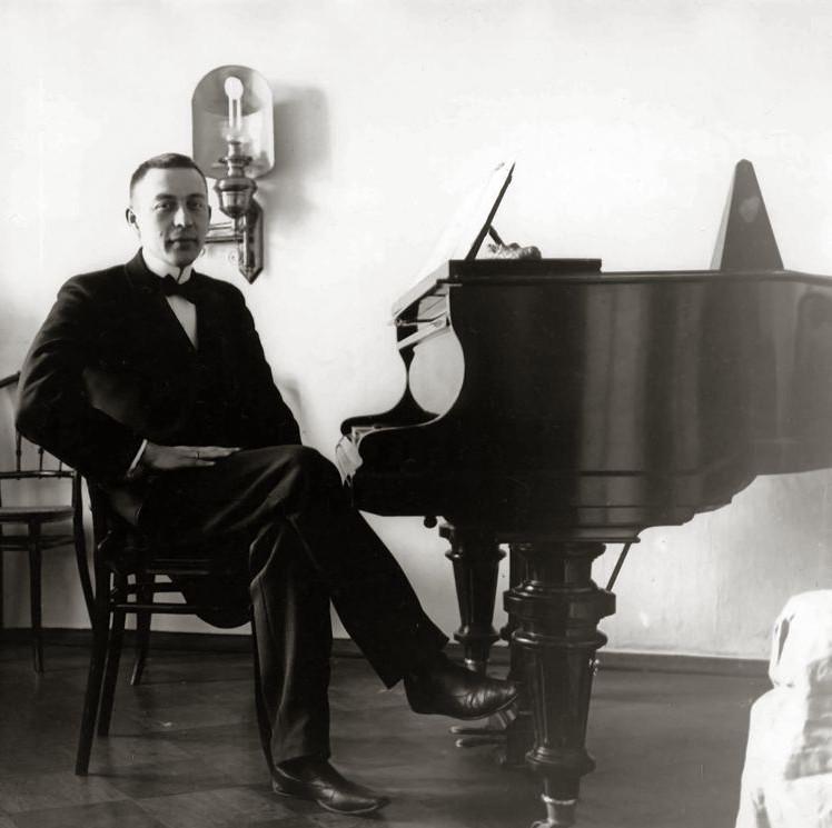 Rachmaninov with his 'precious Blüthner'