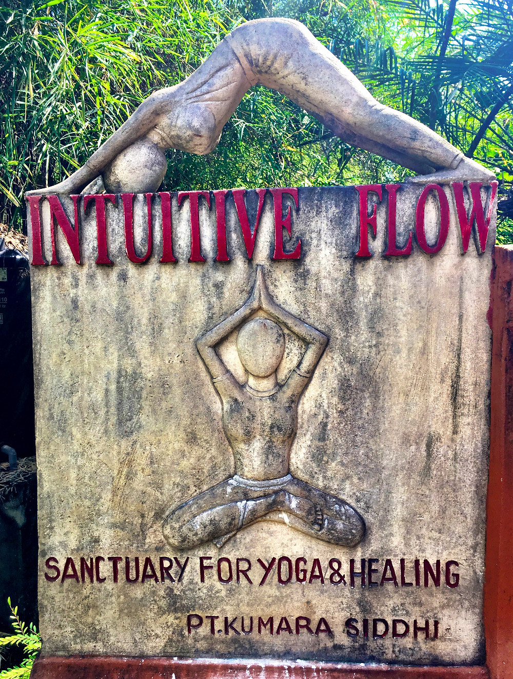 Intuitive Flow. Bra namn, traditionell yoga.