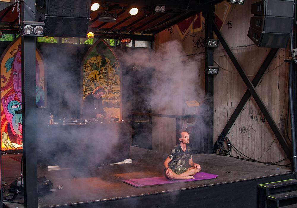 Yoga DJ Sessions med Curt och Christian