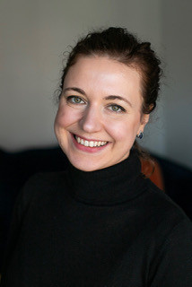 Dana Vronska driver Offispa