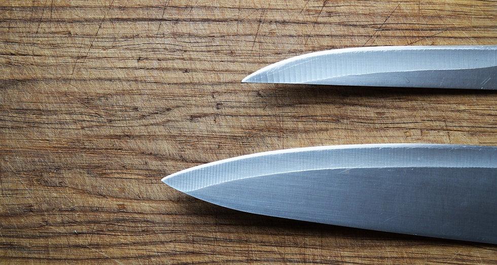 kitchen-knife-2754147_1920_edited.jpg